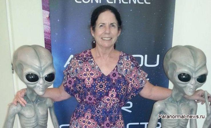 Австралийка с детства общалась с пришельцами и называет себя ребенком-гибридом