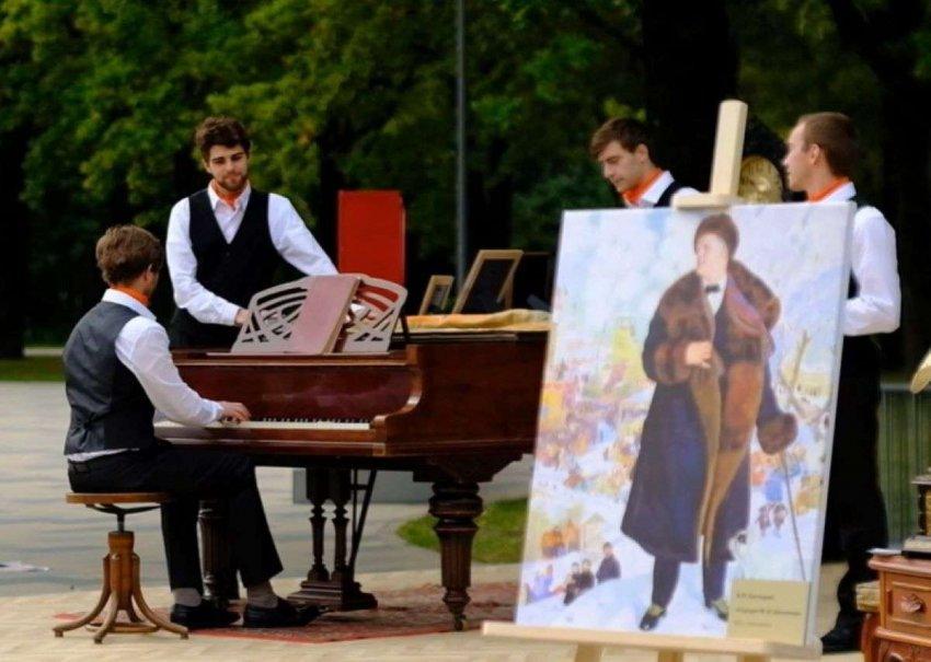 В день рождения Москвы праздничное настроение столицы создавал продюсерский центр «Триумф»
