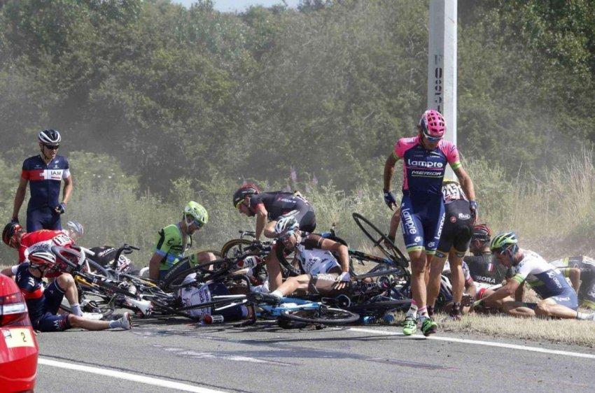Велоспорт: травмы головы игнорируются из-за укоренившейся культуры мачо