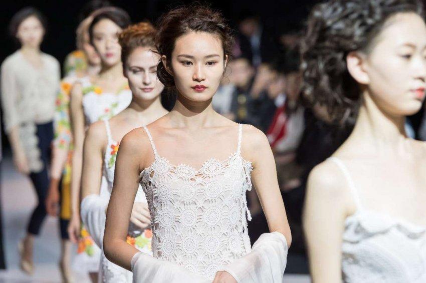 Недели моды в Китае направлены на стимулирование экономики