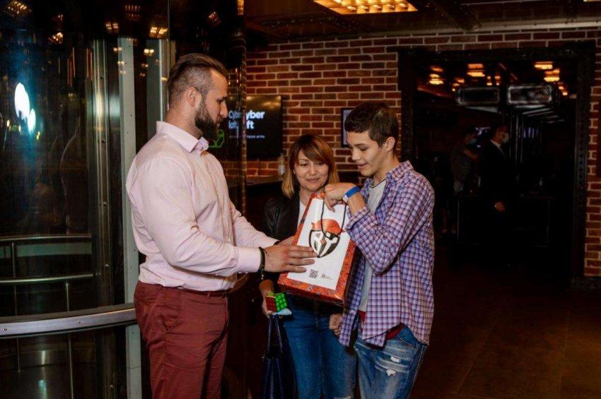 «Сказочные» подарки от бренда BABA YAGA получили участники Чемпионата по киберспорту среди детей и подростков с ограниченными возможностями