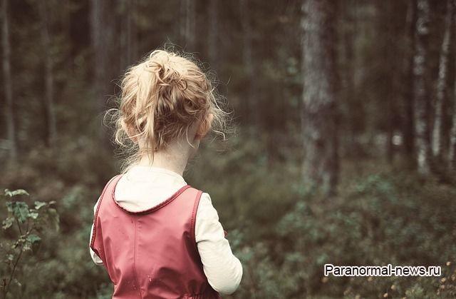 Маленькая девочка на 8 часов заблудилась в лесу и увидела необъяснимые вещи