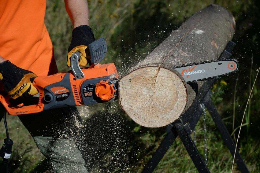 Рейтинг цепных электропил по дереву