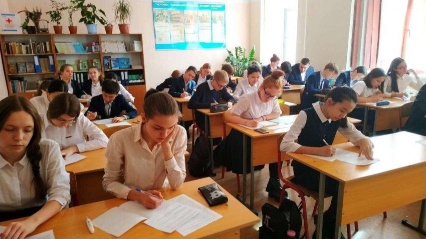 Каким навыкам должны, но не учат в школе?