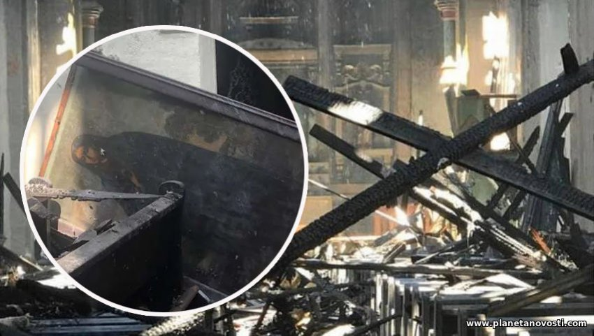 Огонь разрушил 249-летнюю церковь, но не тронул старинную икону