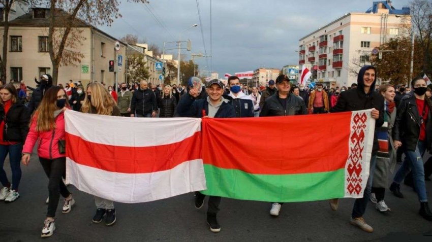 Цихановская призывает к национальной забастовке в Беларуси после разгона протестующих