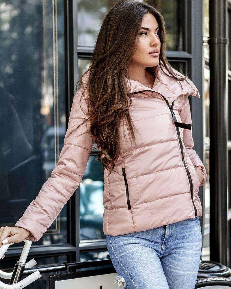 Лучшие демисезонные женские куртки