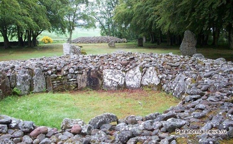Клава Кэйрнс - таинственные пирамиды Шотландии