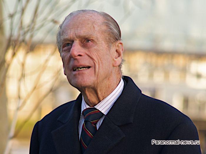 Муж английской королевы оказался фанатом пришельцев, а в поместье его дяди приземлялся НЛО