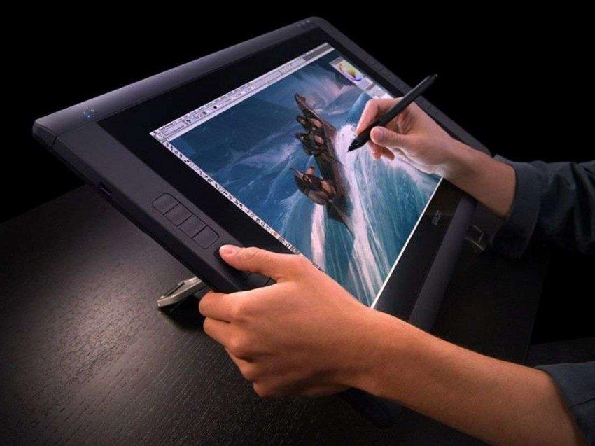 Обзор на лучшие графические планшеты для рисования с наличием стилусов
