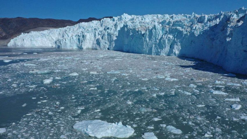 Гренландия тает: нам нужно беспокоиться о том, что происходит на самом большом острове в мире