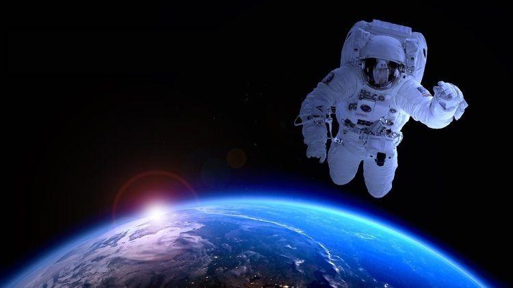 Почему в космосе не видно звёзд четко, а с Земли видно их красивое мерцание