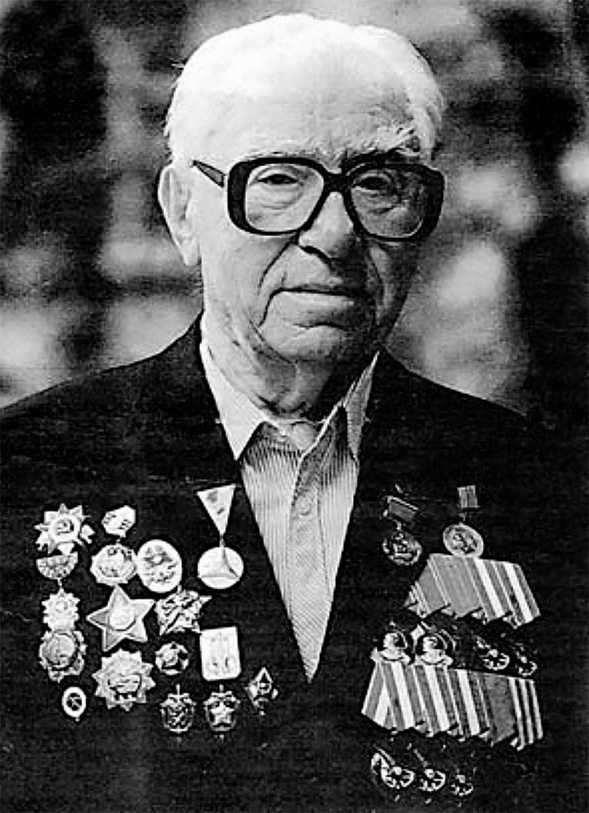 Этот советский диверсант нагонял страху на гитлеровцев