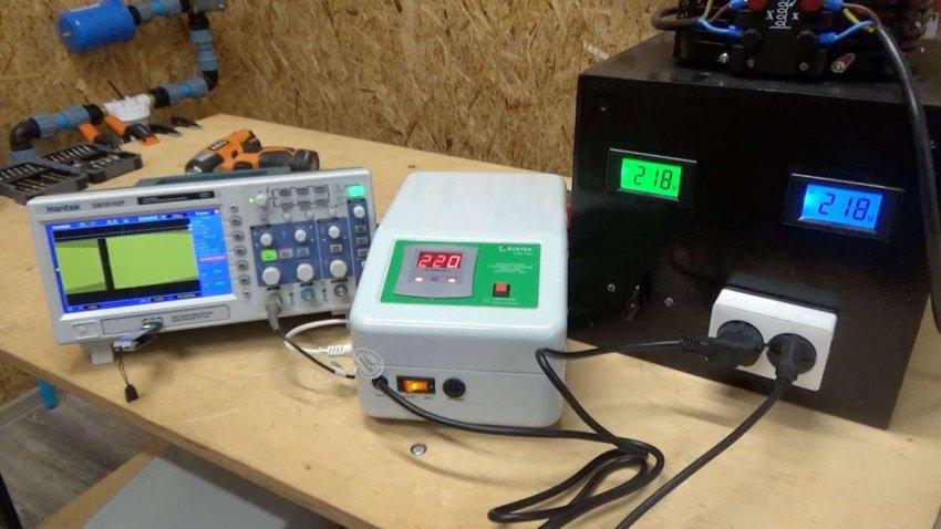 Топ 10 однофазных релейных стабилизаторов электрического напряжения