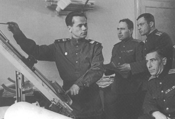 Михаил Калашников и история создания знаменитого автомата
