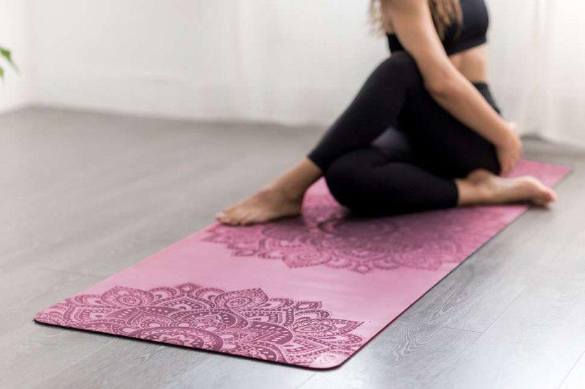 Обзор популярных ковриков для йоги: ТОП-10