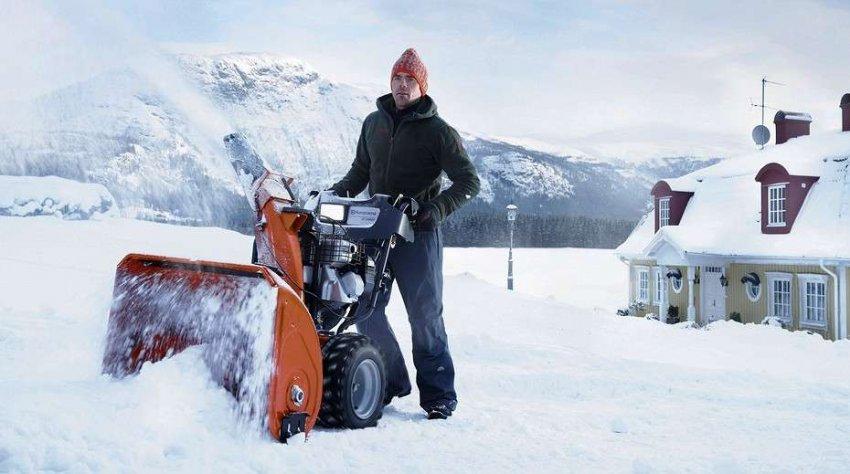 Обзор бензиновых снегоуборщиков