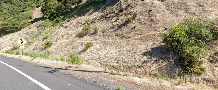 В Калифорнии полицейский увидел возле шоссе тело огромного йети - Паранормальные новости