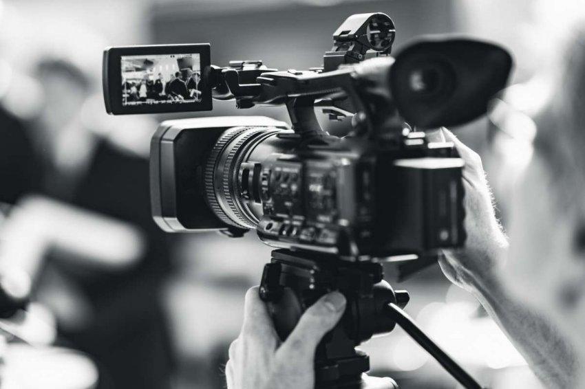 ТОП 10 видеокамер до 100000 рублей
