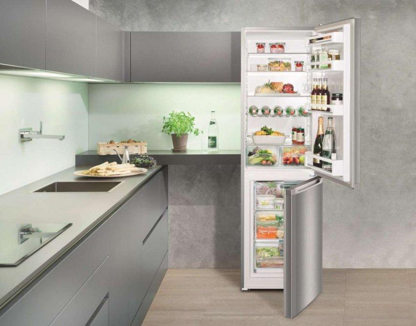Холодильники с перенавешиваемой дверью. Топ лучших предложений