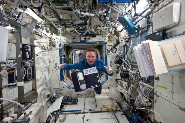 На борту международной космической станции обнаружили неизвестные бактерии - Паранормальные новости