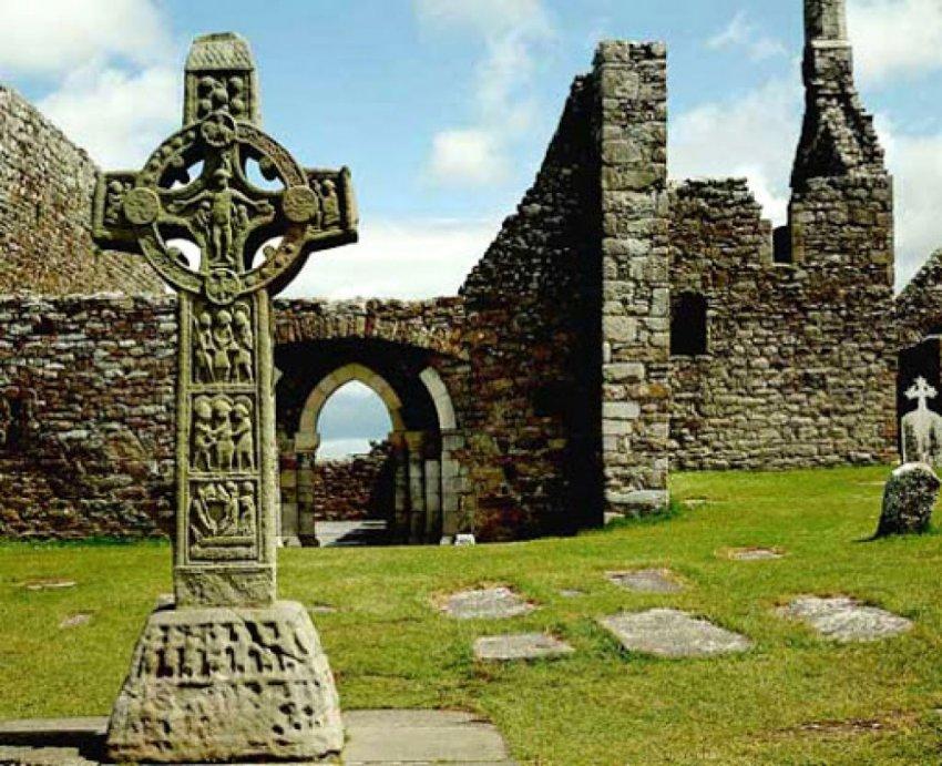 Откуда на древних церквях
