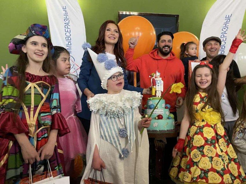 В преддверии Международного дня человека с синдромом Дауна в театре «У Никитских ворот» состоялся праздник
