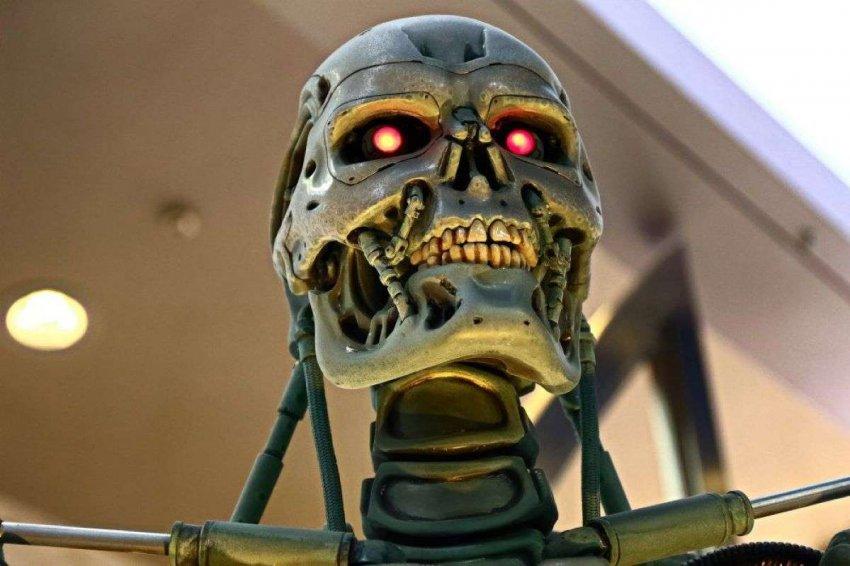 Разработчики ИИ часто игнорируют безопасность в погоне за прорывом. Как регулировать их, не блокируя прогресс?