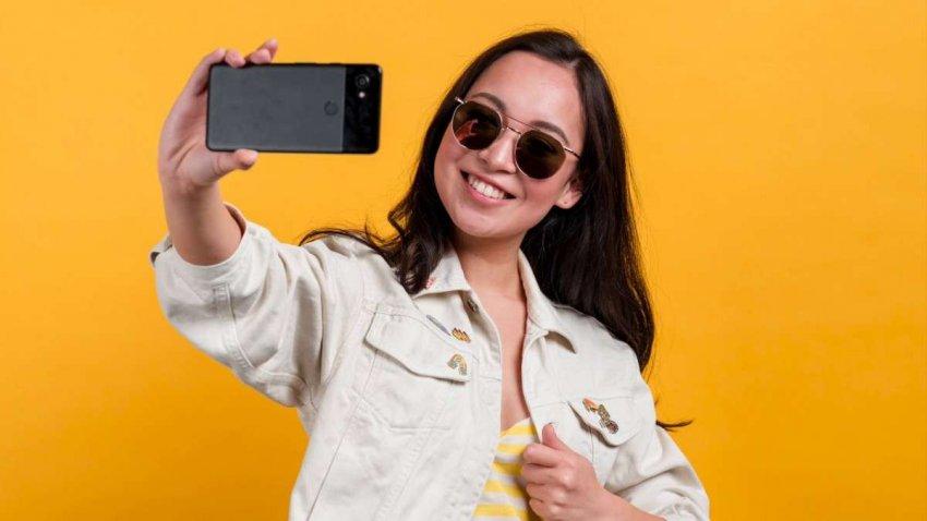 Культура селфи: что ваш выбор ракурса камеры говорит о вас