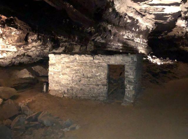 Жуткий эксперимент с туберкулезниками в Мамонтовой пещере - Паранормальные новости