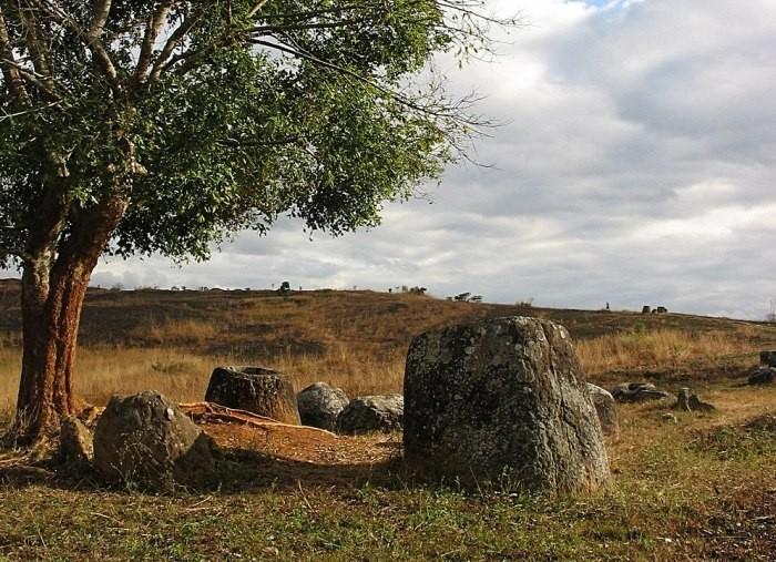 Загадочные каменные «кувшины» Лаоса оказались куда древнее, чем считалось раньше - Паранормальные новости