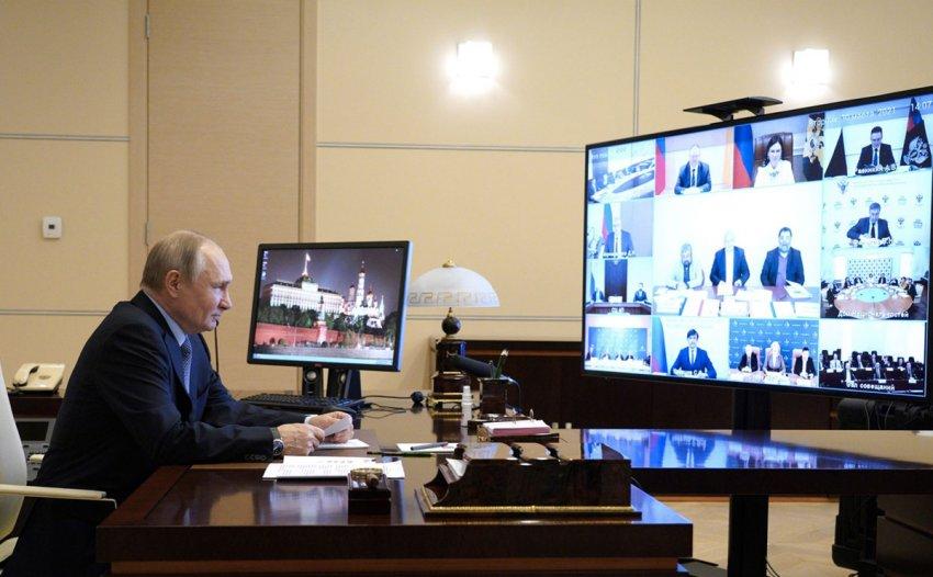 Путин предложил следить за долей детей мигрантов в школах