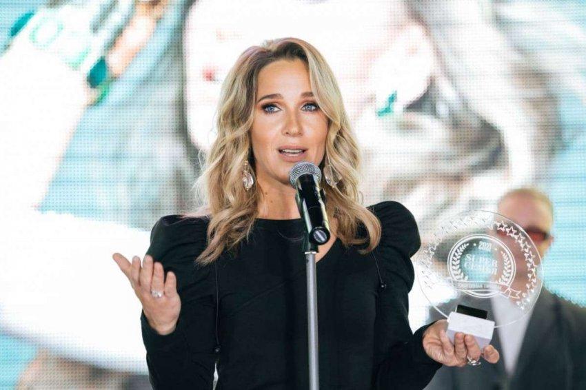 В ресторане BACKSTAGE наградили победителей премии «Супер семья» 2021