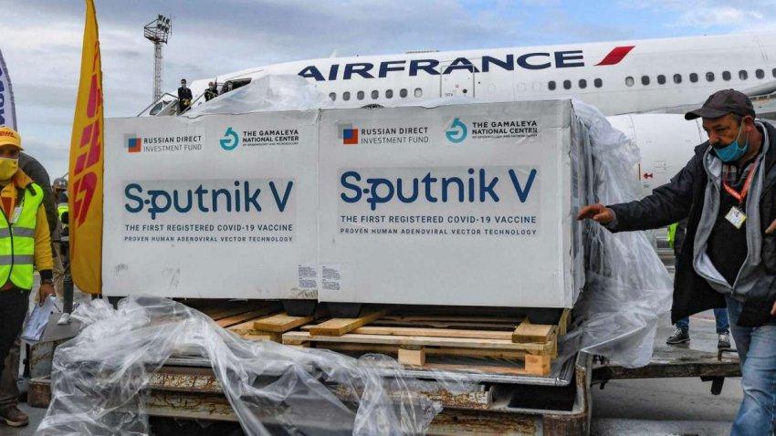 Российская вакцина от COVID: почему все больше стран обращаются к Sputnik V