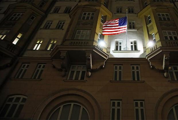 Выдачу неиммиграционных виз прекращает посольство США в России
