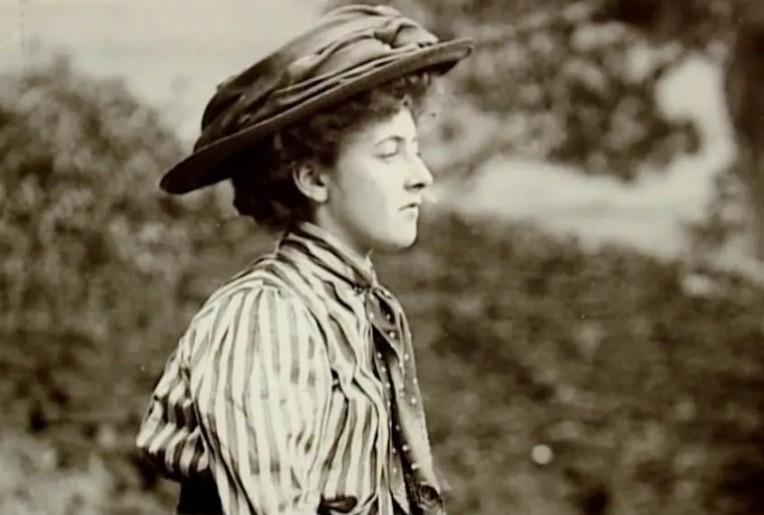 Однажды писательница Агата Кристи исчезла на 11 дней, а когда объявилась, то не помнила, кто она - Паранормальные новости