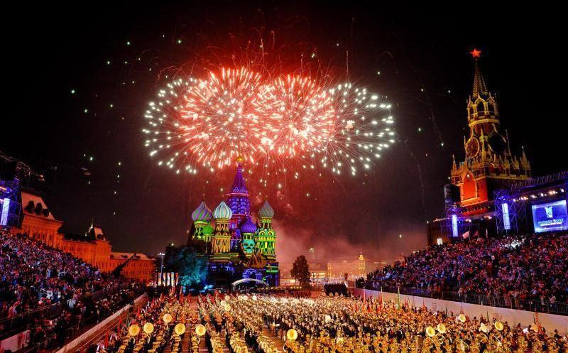 Салют 9 мая 2021 года в Москве: кто проведет онлайн-трансляцию