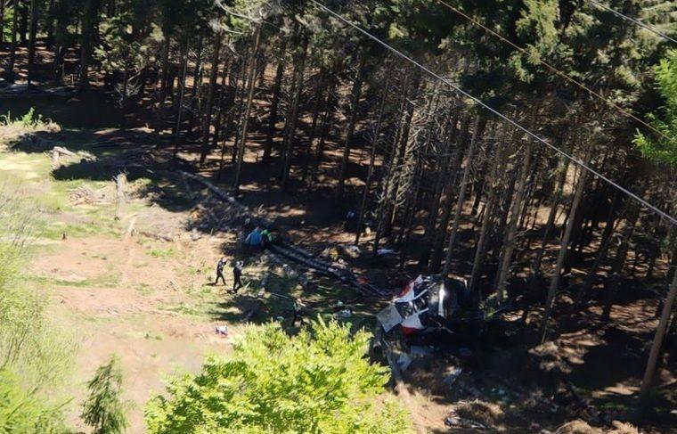 На севере Италии внезапно обрушилась кабина фуникулёра