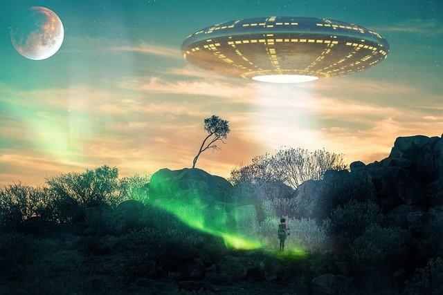 За уфологами и людьми, которых похищали пришельцы, тайно наблюдают правительственные агенты - Паранормальные новости