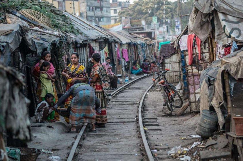 COVID: беднейшим странам не следовало полностью закрывать рабочие места