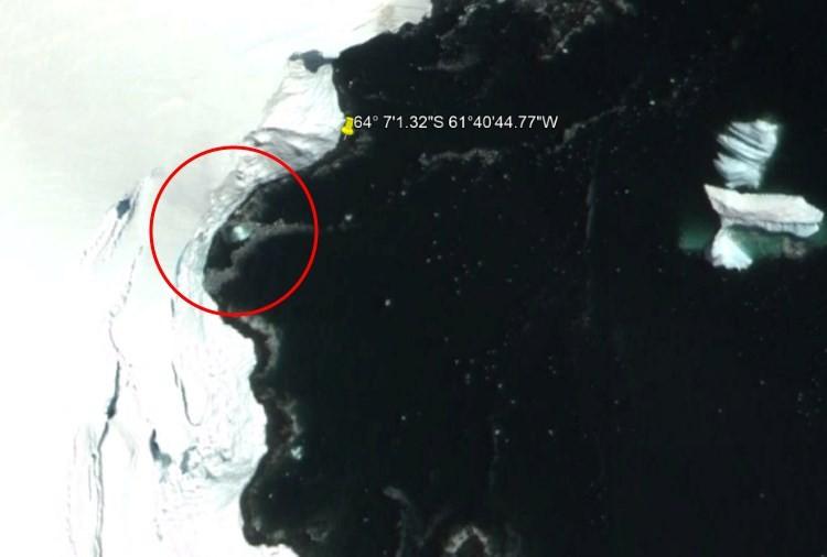 На карте Антарктиды заметили крупный металлический НЛО