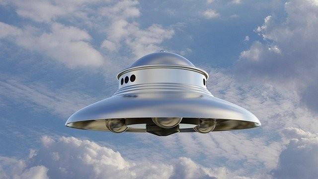 Большинство НЛО на самом деле летают без экипажей, как беспилотники?