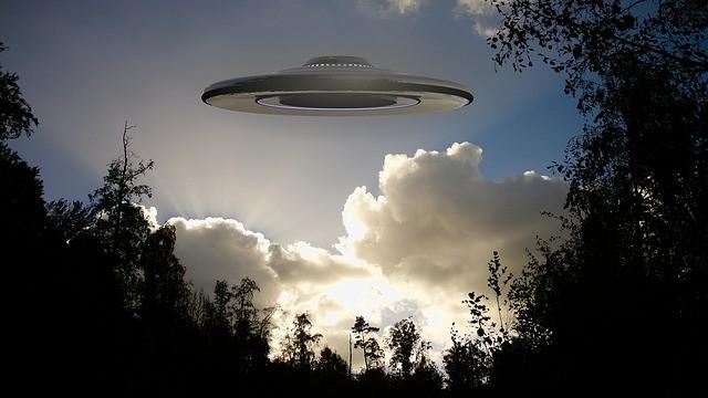 Большой доклад об НЛО, прочитанный в Конгрессе США, оставил больше вопросов, чем ответов