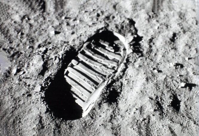 ТОП-10 фактов про Луну