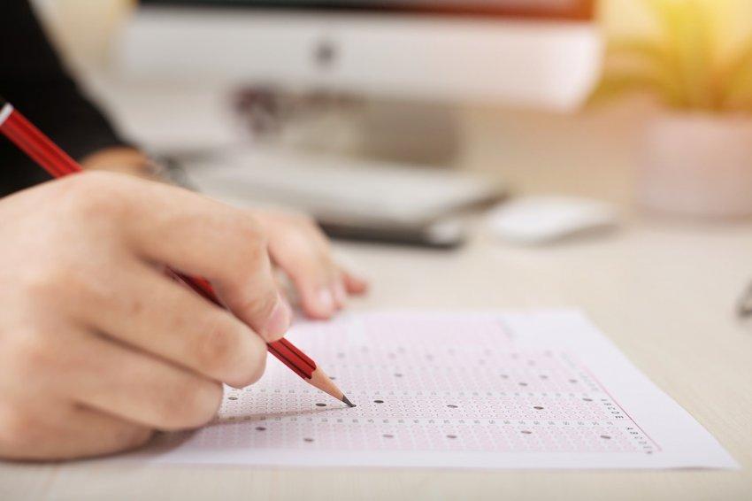 Необходимое количество баллов ЕГЭ для получения аттестата школьнику в 2021 году