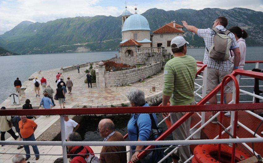 Российским туристам разрешили въезд в Черногорию