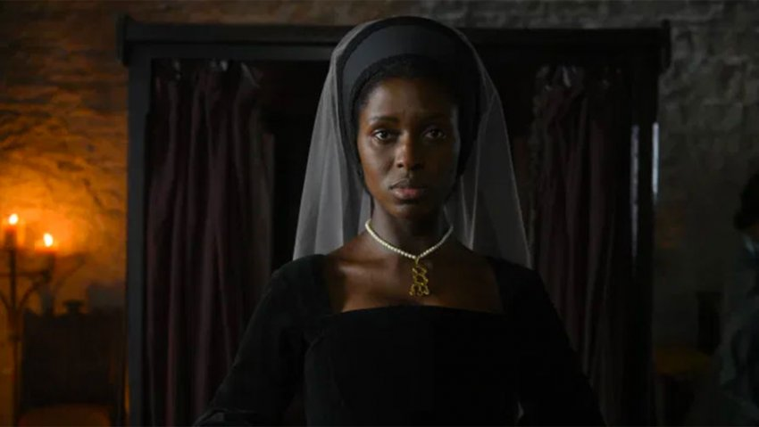 Британский сериал «Анна Болейн» был разгромлен критиками из-за темнокожей актрисы