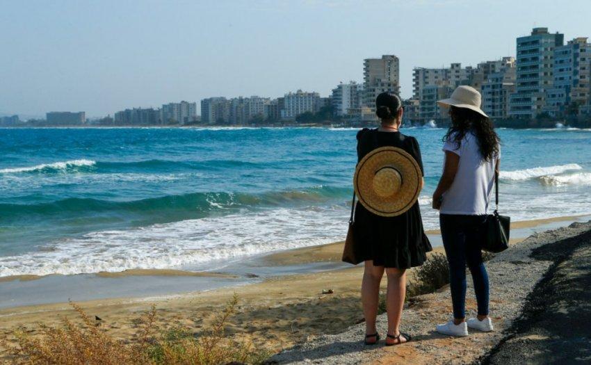 Власти Кипра смягчили правила въезда для вакцинированных от коронавируса