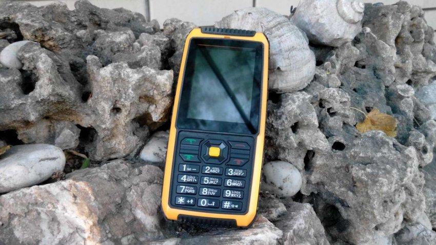 Кнопочные мобильные телефоны с мощным аккумулятором. Топ лучших предложений