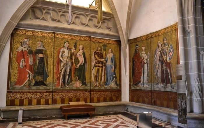 Как в средние века отапливали большие замки?